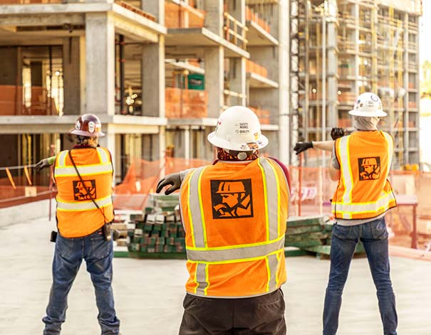 construction workers stretching