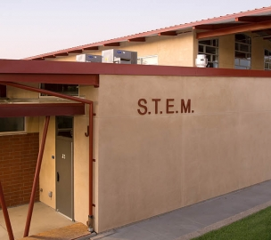 Bella Vista High School STEM Wing Exterior