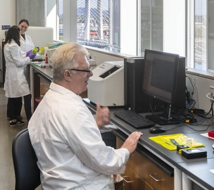 OHSU's Knight Cancer Research Institute Laboratory in Action