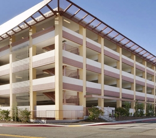 Henry Mayo Newhall Memorial Hospital Parking Structure