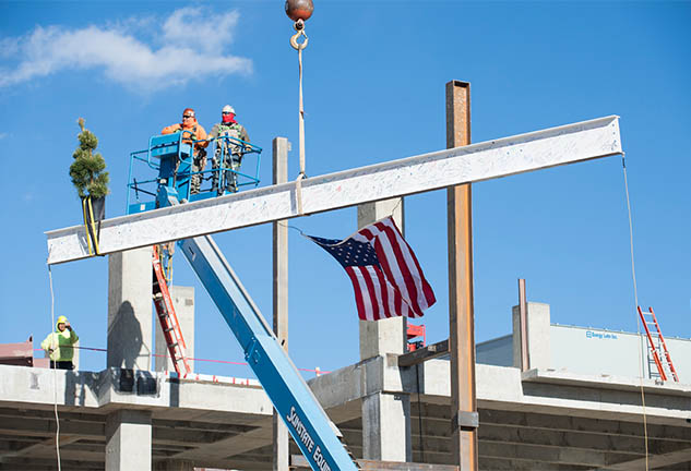 Topping out at CHRISTUS St. Vincent